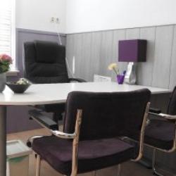 Tafel in de kleine therapiekamer
